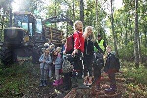 Elever fick kunskap om skogsbruk på #Bondeniskolan på Jälla naturbruksgymnasium i Uppsala