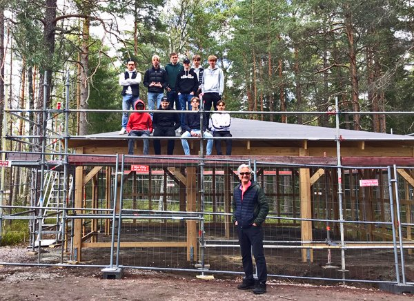 Jens Meyer, Regionsamordnare Värmland, har byggt ett uteklassrum tillsammans med lärare och elever